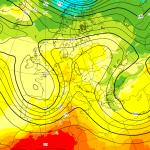 Meteo Pasqua e Pasquetta, gli ultimi aggiornamenti: sarà maltempo di scirocco? Le MAPPE