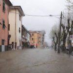 Maltempo, Nord Italia flagellato: 200mm di pioggia in Piemonte e Toscana, Alpi sommerse di neve [FOTO LIVE]