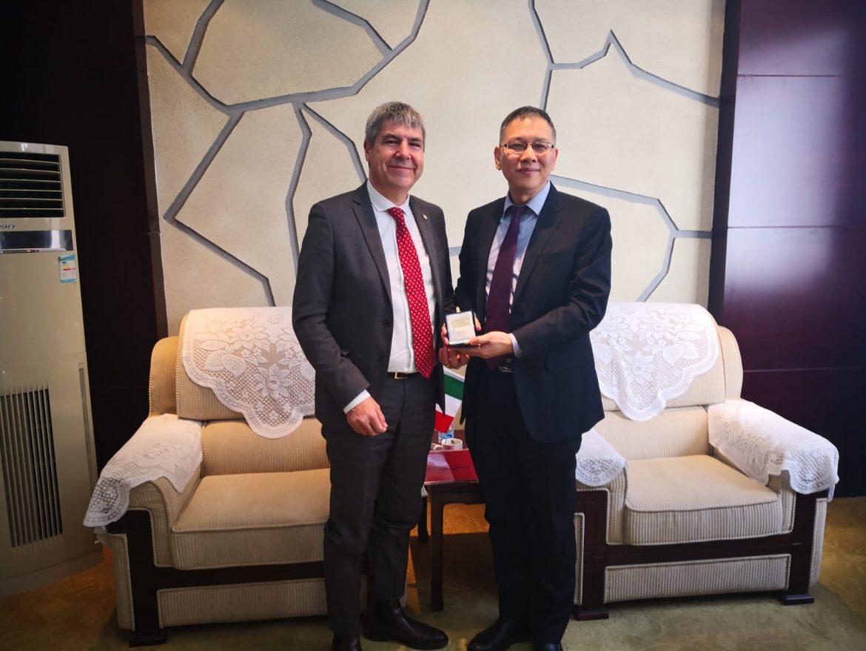 Il Vice Presidente del Consiglio Nazionale dei Geologi Vincenzo Giovine in Cina