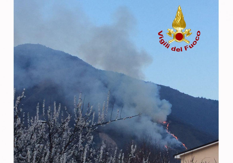 Monte Summano incendio