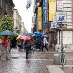 Maltempo in Piemonte: ombrelli aperti in centro a Torino [GALLERY]