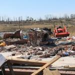 """Tornado Alabama, l'incredibile miracolo della famiglia sopravvissuta alla catastrofe: """"è come se la mano di Dio ci avesse tenuti a terra"""" [FOTO]"""