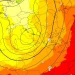 """Meteo, è allerta per il Nord: """"pugnalata"""" del Vortice Polare a fine Maggio (!!), allarme grandine e alluvioni"""