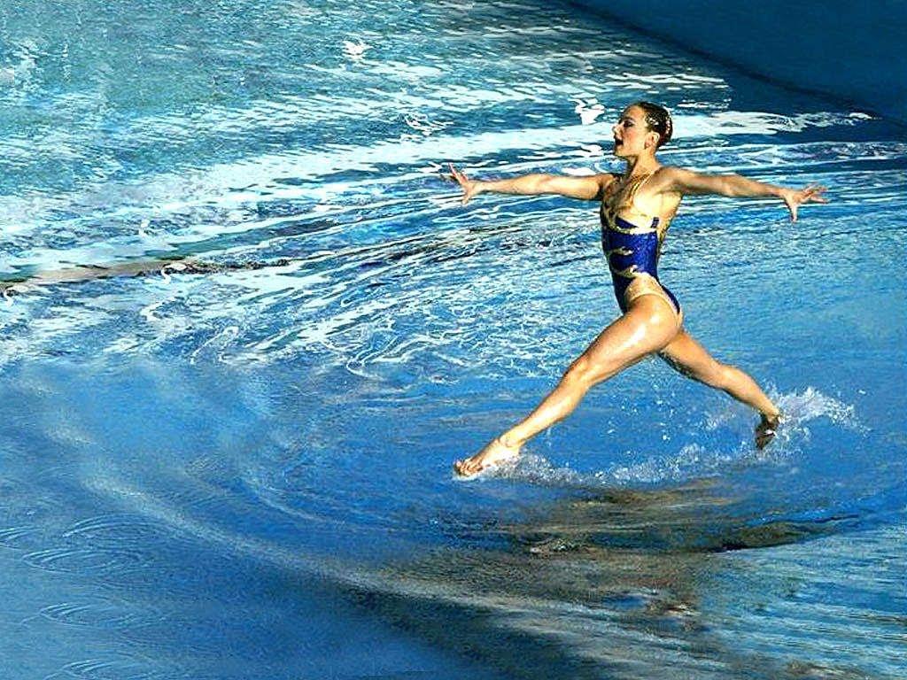 camminare sull'acqua nuoto sincronizzato