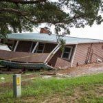 Meteo, disastrose inondazioni in Oklahoma: case spazzate via dalle fondamenta o allagate, evacuazioni e vittime [FOTO e VIDEO]