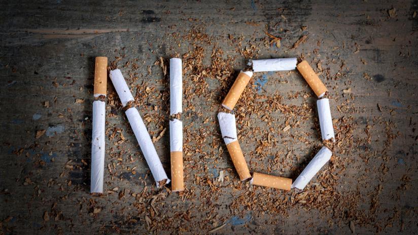 sigaretta fumo no tabacco