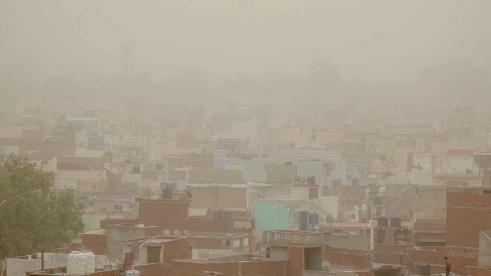 Mainpuri India tempeste sabbia