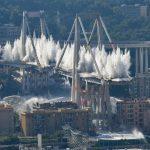 Genova, oggi la demolizione di Ponte Morandi: abbattute le pile 10 e 11 del viadotto [FOTO e VIDEO]