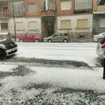 Maltempo, violentissimo nubifragio a Torino: città imbiancata dalla grandine, 72mm di pioggia, gravi danni e freddo improvviso [FOTO e VIDEO]