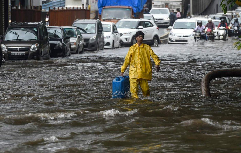 India, allagamenti per forti pioggea MumbaiIndia, allagamenti per forti piogge a Mumbai