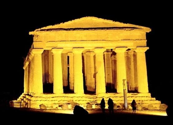 Tempio Agrigento notte