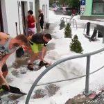 Maltempo, violentissima grandinata in Slovenia: Mozirje sepolta da uno spesso strato bianco [FOTO e VIDEO]