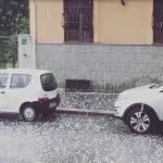 Meteo, il super caldo continua ma esplodono forti temporali al Nord: grandine a Torino, nubifragio a Milano [FOTO e VIDEO]