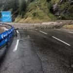 Clamoroso al Tour de France, frane e grandine in Val-d'Isère: tappa annullata dopo l'impresa di Bernal sull'Iseran [FOTO e VIDEO]