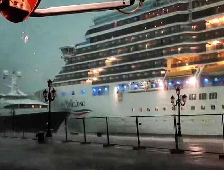 nave da crociera venezia
