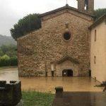 Weekend di Maltempo estremo, Centro/Nord in ginocchio: crolla tetto del Duomo di Verona, allagata l'antichissima Pieve di Sant'Eugenia al Bagnoro ad Arezzo [FOTO]