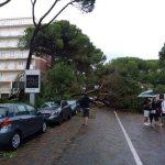 Maltempo, è emergenza: il ministro Salvini nella Sala operativa dei Vigili del Fuoco, soccorritori mobilitati per i fenomeni estremi che stanno flagellando l'Italia [FOTO LIVE]