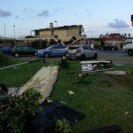 """Maltempo, le drammatiche immagini di Focene e Fiumicino devastate dal tornado della notte: """"neanche un terremoto avrebbe fatto questo disastro"""" [GALLERY]"""