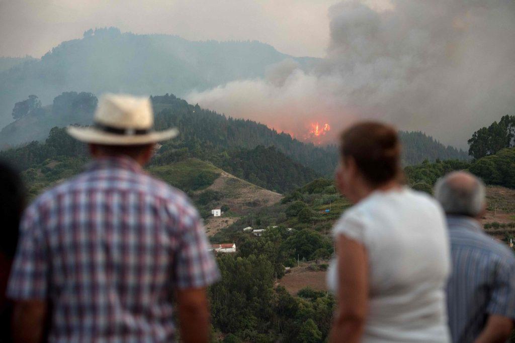 Spagna, vasto incendio a Gran Canaria