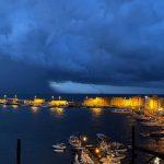 """Maltempo, irrompe la fredda bora ed è come una """"pugnalata"""" sull'Italia: gravi danni. Allerta Meteo al Sud"""