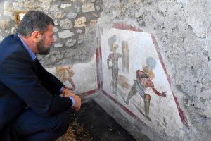 gladiatori combattenti pompei
