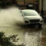 Meteo, grandine, forti venti e strade allagate: violente tempeste hanno colpito l'Ovest della Francia [FOTO e VIDEO]