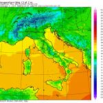 Meteo Italia, la situazione: caldo anomalo in tutto il Paese, forte vento di ponente e piogge nel basso Tirreno