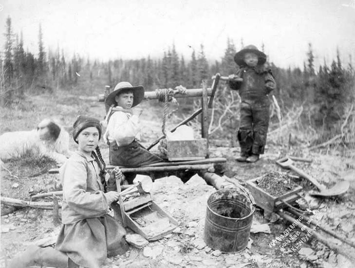 Una foto di 120 anni fa: Greta è una viaggiatrice del tempo…