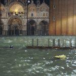 """Un anno fa, l'eccezionale acqua alta a Venezia: """"Credevo di aver visto il peggio con la tempesta Vaia"""", Zaia ricorda la devastazione dell'""""Acqua Granda"""" [FOTO]"""