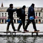 Acqua alta a Venezia, è record: marea a 150 cm in città, 3° superamento in 6 giorni [FOTO]