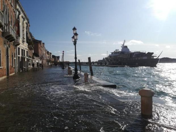 Acqua alta a Venezia: la marea raggiunge 109 cm, a Chioggia 111 cm - Meteo Web