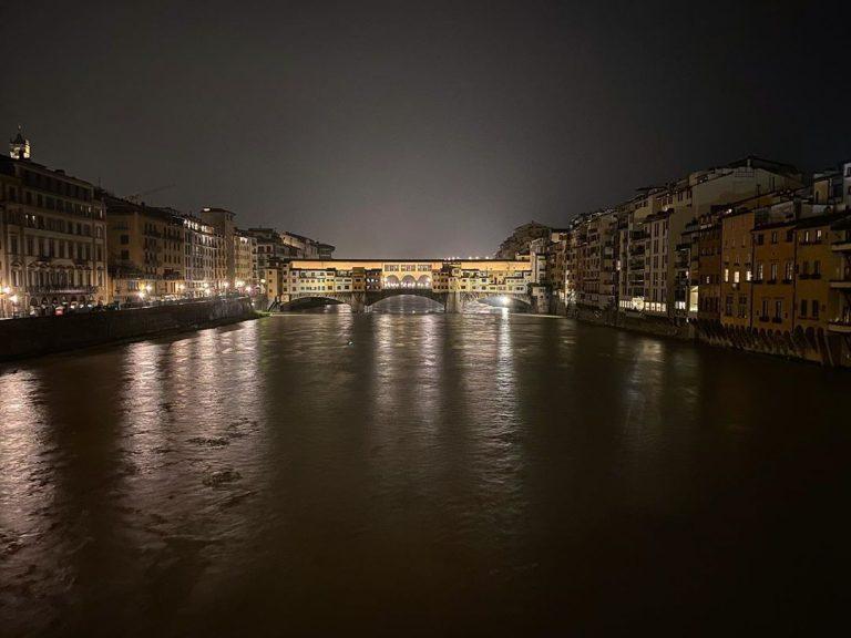 L'Arno in piena a Firenze