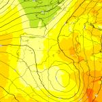 Allerta Meteo, Ciclone Afro-Mediterraneo si avvicina all'Italia dal Maghreb: caldo, forte vento di scirocco e piogge torrenziali