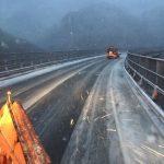 """Allerta Meteo, adesso il freddo fa sul serio: violenta """"Tempesta Invernale"""" porta neve in pianura, vento da uragano e forti temporali per altri 3 giorni"""