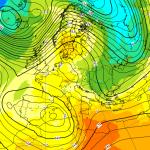 Allerta Meteo, il Ciclone Mediterraneo si avvicina al Sud Italia: mappe impressionanti per le prossime 48 ore