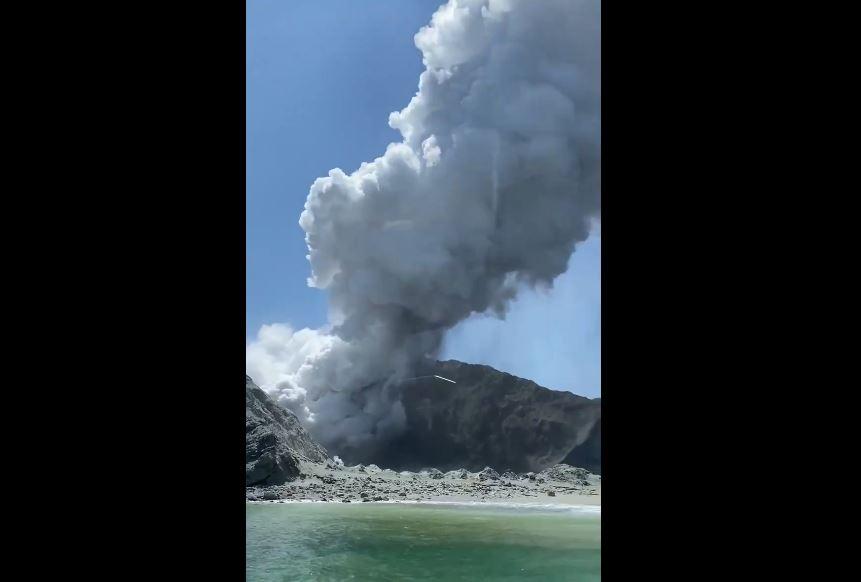 Erutta vulcano White Island, almeno un morto