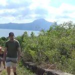 Filippine, un gruppo di turisti stava scalando il vulcano Taal al momento dell'eruzione: tutto è iniziato con un po' di fumo [FOTO e VIDEO]