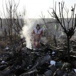Iran, il mistero dell'aereo ucraino caduto a Teheran dopo l'attacco alle basi USA in Iraq: 2 passeggeri non ucraini non si sono imbarcati [FOTO e VIDEO]