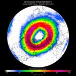 Meteo, lo strano comportamento del Vortice Polare: è così freddo da distruggere l'ozono al Polo Nord, grandi incertezze per la Primavera [MAPPE]