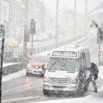 Meteo, arrivano neve e ghiaccio in Irlanda e Regno Unito: blizzard e fino a 20cm sulla scia della tempesta Ciara [FOTO e VIDEO]