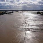 Tempesta Dennis, le drammatiche immagini dalle Midlands: disastrosa alluvione nella contea di Herefordshire, Ironbridge sott'acqua [FOTO]