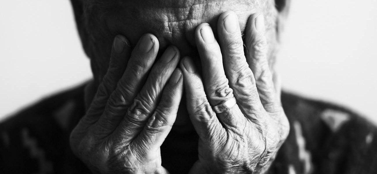 Orrore a Monza: anziana muore al pronto soccorso, il marito confessa di averla strangolata