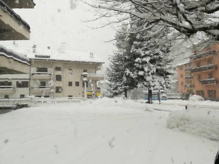La nevicata di oggi ad Aprica