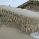 Meteo, la furia del vento sul Lago Erie crea un paesaggio mozzafiato: incredibile spettacolo di ghiaccio a Hamburg [FOTO e VIDEO]