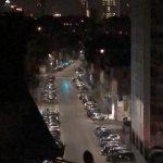 """Coronavirus, a Milano si illumina il Pirellone: """"State a casa"""" [FOTO]"""