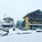 Maltempo, Italia spaccata in due: piogge torrenziali al Nord, tanta neve sulle Alpi. Ultime ore di caldo Sud, +26°C in Sicilia