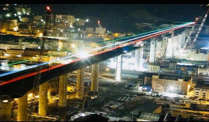 ponte genova tricolore