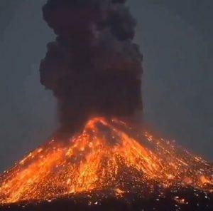 eruzione anak krakatoa