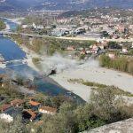 Crolla ponte in Toscana: il viadotto sul Fiume Magra non esiste più, almeno un ferito. Le prime immagini shock [FOTO e VIDEO]