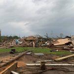 Tornado distrugge completamente una casa nel Mississippi: famiglia si salva nascondendosi in una stanza di cemento, l'unica cosa rimasta intatta [FOTO]